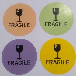 Samolepka papírová, kruh 5 cm, potisk FRAGILE, 100ks
